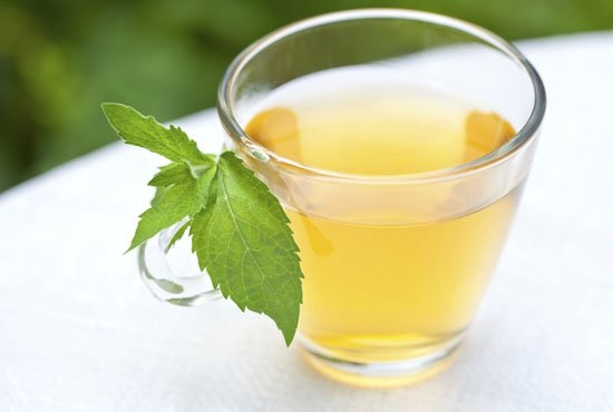 Bebe más con aguas preparadas e infusiones