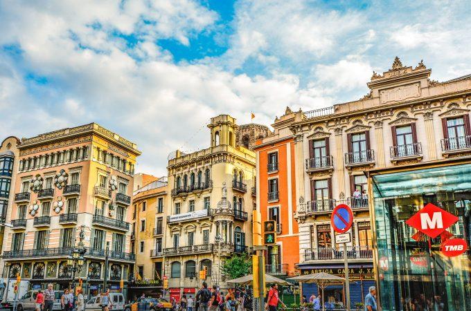 Los mejores lugares para visitar en coche de alquiler cerca de Barcelona