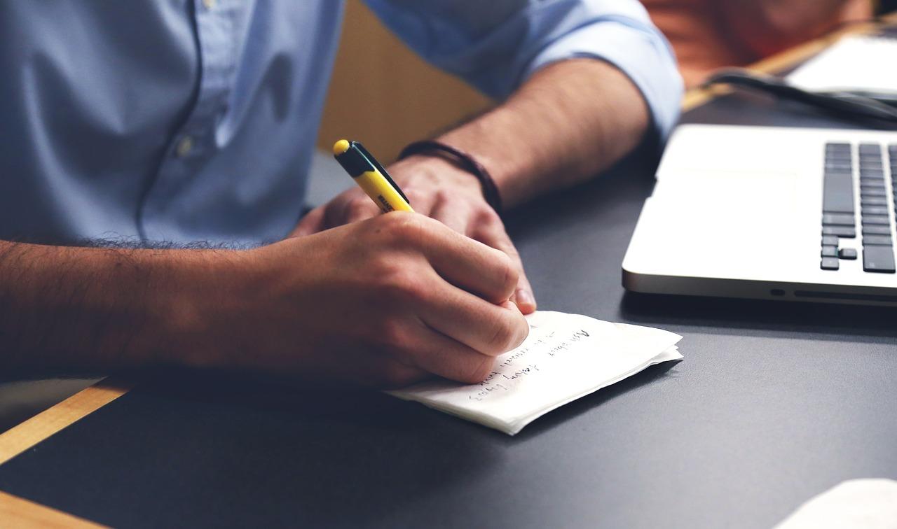 Publica tu libro de la mano de Editorial Punto Rojo