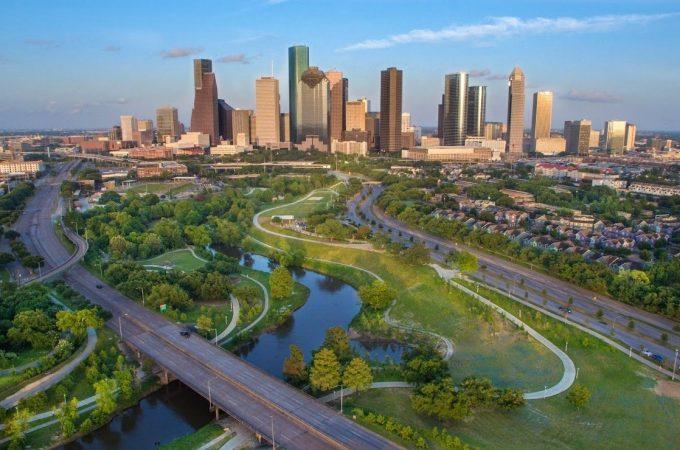 No es necesario ser un científico para visitar Houston. Viajar allí tampoco es ciencia de cohetes